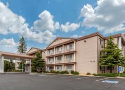 Comfort Inn Mount Shasta Area - Weed - Edificio