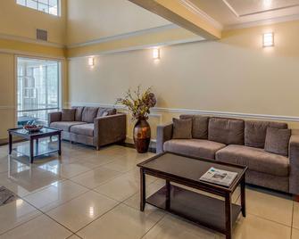 Comfort Inn Mount Shasta Area - Weed - Лоббі
