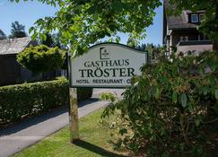 Hotel Gasthaus Tröster - Schmallenberg - Outdoor view