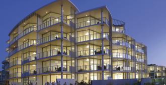 Manta Bargara Resort - Bundaberg - Building