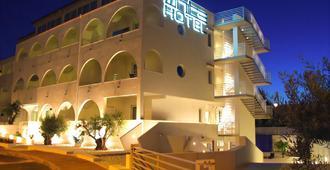 White Hotel - Vieste