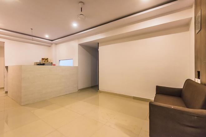 Vista Vashi Inn - Navi Mumbai - Front desk
