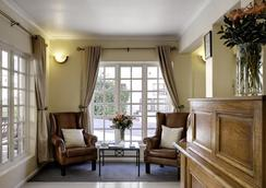 Best Western Cape Suites Hotel - Cape Town - Living room