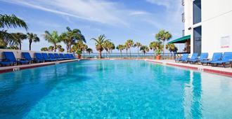 Holiday Inn Lido Beach, Sarasota, An Ihg Hotel - סראסוטה - בריכה