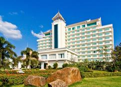 Champasak Grand Hotel - Pakse - Building