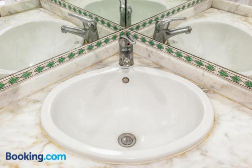 Hotel Villa D'Amato - Palermo - Bathroom