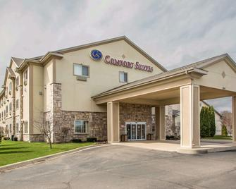 Comfort Suites Lake Geneva East - Lake Geneva - Building