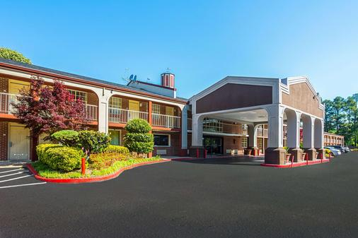 Quality Inn Northeast - Atlanta - Rakennus