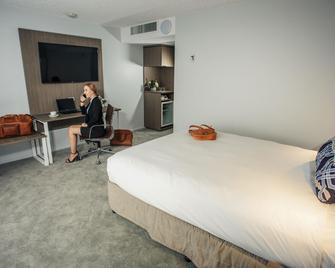 Pacific Hotel Brisbane - Brisbane - Bedroom