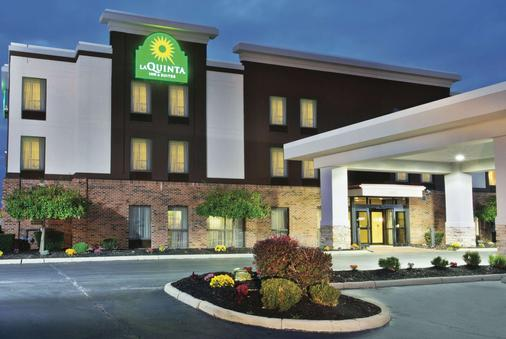 La Quinta Inn & Suites by Wyndham Columbus - Grove City - Grove City - Rakennus