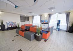 Best Western Airport Inn & Suites - Ορλάντο - Σαλόνι ξενοδοχείου
