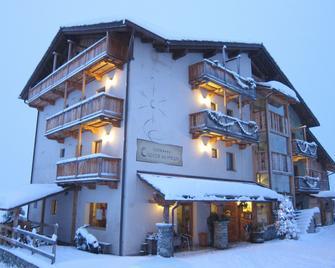 Hotel Caprice Des Neiges - Torgnon - Building