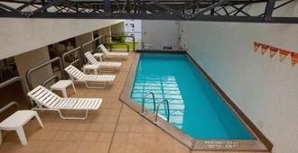 Lg Inn Hotel - Recife - Piscina