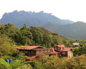 Mile 36 Lodge - Ranau - Building
