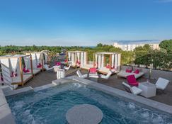 Oz'Inn Hôtel - Agde - Pool