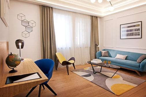 One Shot Palacio Reina Victoria 04 - Valencia - Living room
