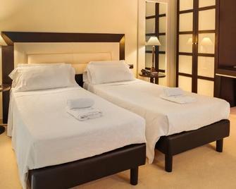 Hotel San Miguel - Mahón - Bedroom