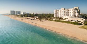 Fort Lauderdale Marriott Harbor Beach Resort & Spa - Fort Lauderdale - Building