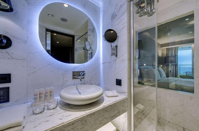 Radisson Blu Hotel Istanbul Ottomare - Κωνσταντινούπολη - Μπάνιο