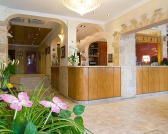 Hotel Balear - Palma de Mallorca - Front desk