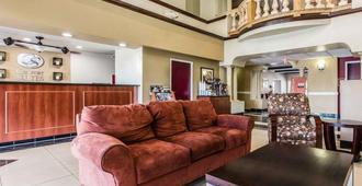 Comfort Suites Bakersfield - Bakersfield - Sala de estar