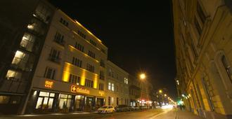 Columbus Hotel - Krakow - Building