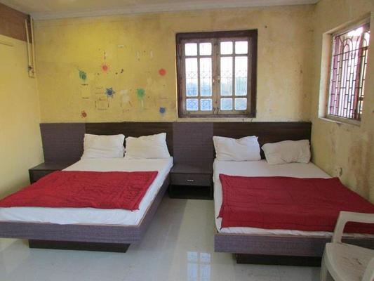 Hotel Kalpana Residency - Mumbai - Bedroom