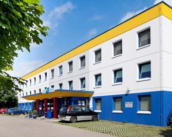 Ibis budget München Putzbrunn - Putzbrunn - Building