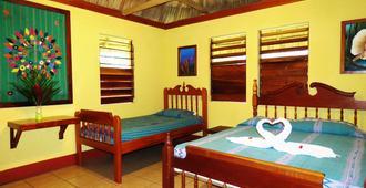 Crystal Paradise Resort - San Ignacio - Bedroom
