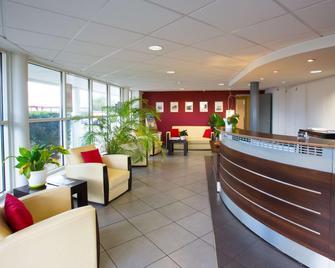 All Suites Appart Hotel Merignac - Merignac - Рецепція