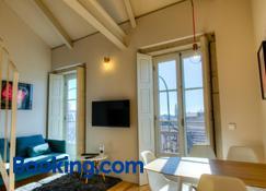 Porto Cinema Apartments - Oporto - Sala de estar