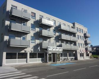 Hildibrand Hotel - Neskaupstadur - Edificio