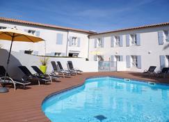 Appart'hôtel Perle de Ré - La Couarde-sur-Mer - Pool