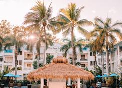 Peppers Beach Club & Spa Palm Cove - Palm Cove - Pool