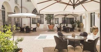 Hotel San Paolo al Convento - Trani - Patio