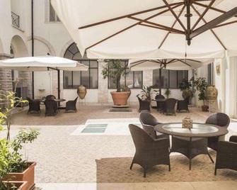 Hotel San Paolo al Convento - Trani - Terasa