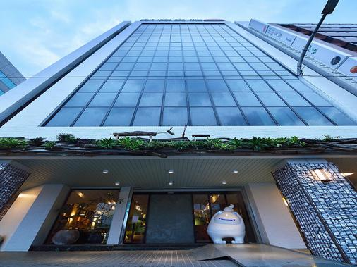 Hotelday Plus Hualien - Hualien City - Building