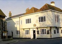The Kings Arms Hotel - Sandwich - Building