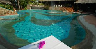 Kampung Tok Senik Resort - Langkawi Island - Bể bơi