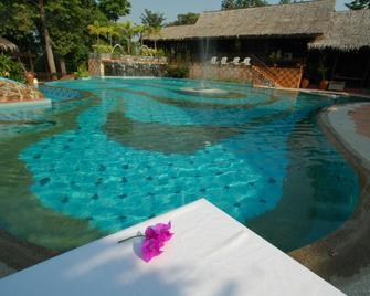 Kampung Tok Senik Resort - Langkawi Island - Piscina