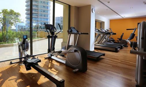 Ramada Hotel & Suites By Wyndham Dubai Jbr - Dubai - Gym