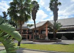Cresta Thapama - Francistown - Building