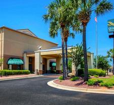 Quality Inn & Suites at Airport Blvd I-65