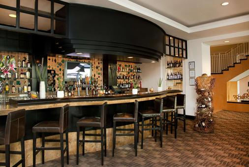GALLERYone - a DoubleTree Suites by Hilton Hotel - Fort Lauderdale - Bar