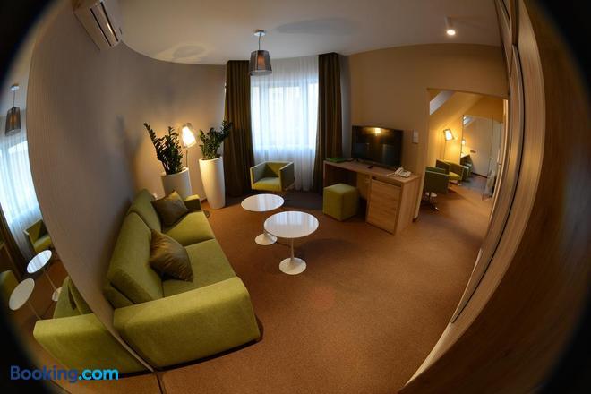 Hotel Stardust - Nové Zámky - Living room