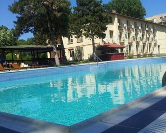 Q Hotel Neptun - Neptun - Pool