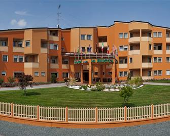 Hotel La Ruota - Vicoforte - Gebäude