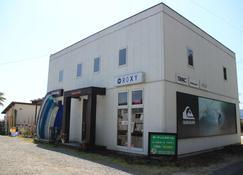 Pavilion Surf - Kaiyo - Building