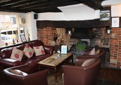 The Whyte Harte Hotel - Inn - Redhill