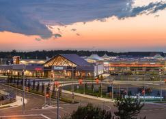 Holiday Inn Express Niagara-On-The-Lake - Niagara-on-the-Lake - Vista del exterior